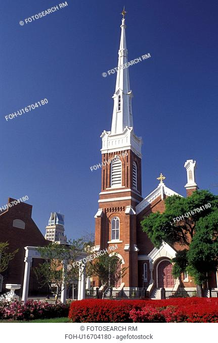 church, Augusta, GA, Georgia, First Christian Church in Augusta in the spring