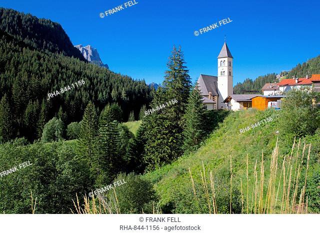 Church, Fassa Valley, Trento Province, Trentino-Alto Adige/South Tyrol, Italian Dolomites, Italy, Europe
