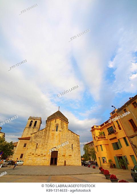 Besalú  Medieval town  Girona  Catalunya  Spain