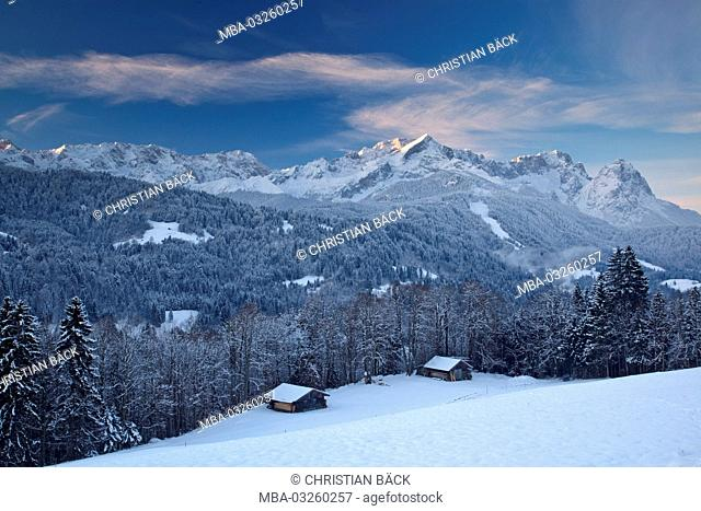 Wintry Wetterstein mountains, Garmisch-Partenkirchen, Bavaria, Germany