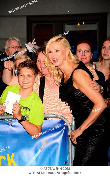 Veronica Ferres and fans at the world premiere Hectors Reise oder Die Suche nach dem Glueck (Hector and the search for happiness) at Zoo-Palast movie theatre