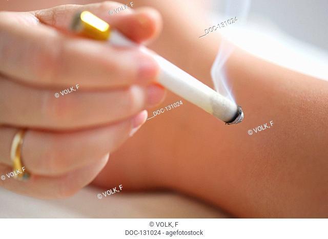 Moxa cigar with leg