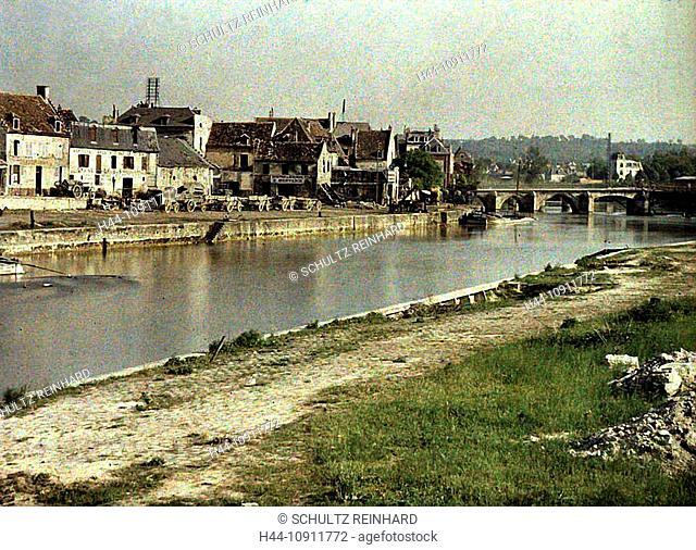 War, Europe, world war I, 1917, Europe, world war, color photo, Autochrome, F. Cuville, western front, department Aisne, France, Soissons, river, flow, bridge