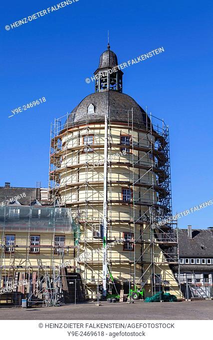 Restoration with scaffolding, the 'Fat Tower', Dicker Turm, Lower Palace, Siegen, North Rhine-Westphalia, Germany, Europe