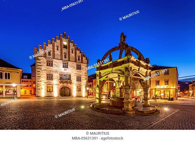 Germany, Bavaria, Lower Franconia, Franconian Saale valley, Hammelburg, marketplace, city hall with market fountain