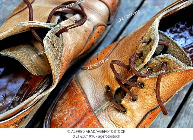 Leather shoes craft