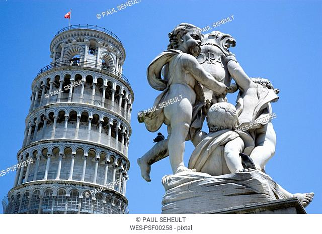 Italy, Tuscany, Pisa, Piazza dei Miracoli, Square of Miracles, Leaning tower and sculpture