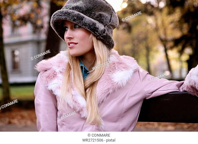 woman, looking, focused, outdoor, fall, hat, lady