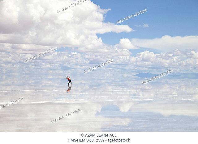 Bolivia, Potosi department, Salar de Uyuni the world's largest salt flat
