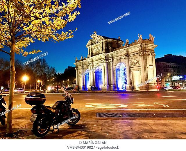 Puerta de Alcala, night view. Independencia Square, Madrid, Spain