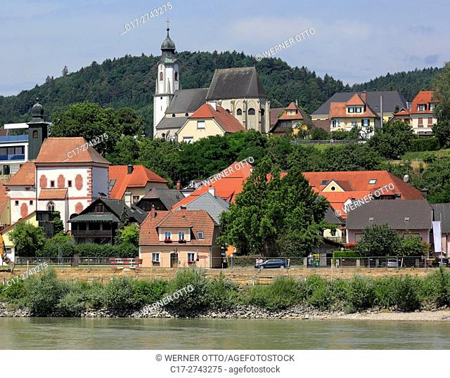 Austria, Lower Austria, A-Emmersdorf an der Donau, Danube, Wachau, Waldviertel, city panorama, above the St. Nicholas Church, parish church, catholic church