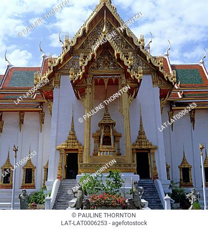 The Dusit Maha Presat was built in 1790 by Rama I. It is one of many buildings within the Grand Palace complex
