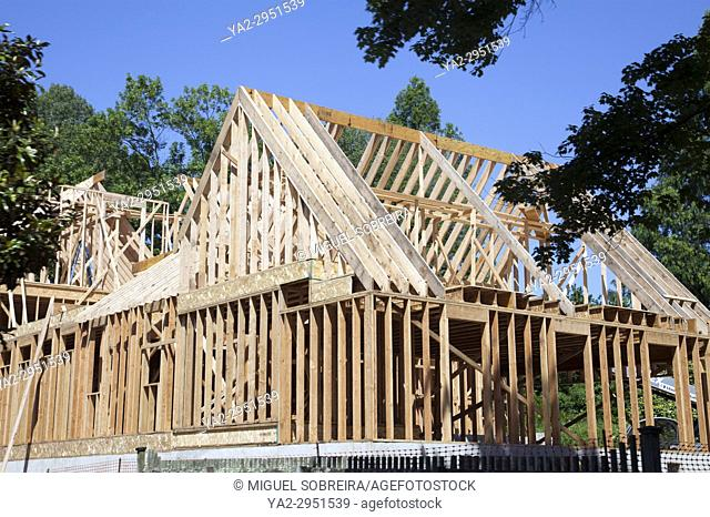 Construction of Timber Frame House on River Rd in New Hope Pennsylvania - USA