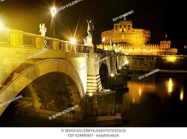 Bridge to castle Sant Angelo in the night