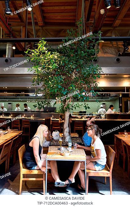 Spain, Catalonia, Barcelona, Santa Caterina market, People having lunch at the Cuines Santa Caterina restaurant