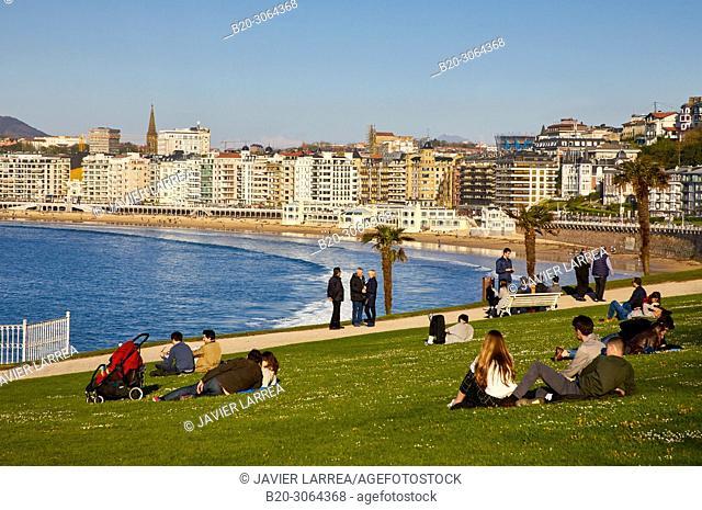 Palacio Miramar, La Concha beach and bay, Donostia, San Sebastian, Gipuzkoa, Basque Country, Spain, Europe