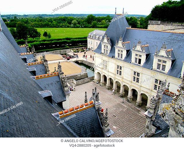 Gardens and Château de Villandry. Its famous Renaissance gardens include a water garden, ornamental flower gardens, and vegetable gardens.