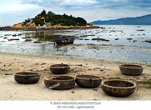Hon Chong Promontary with view of the bay, Nha Trang, Vietnam, Indochina, Southeast Asia, Asia