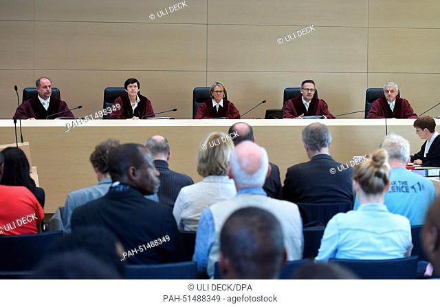 The fourth criminal panel at the German Supreme Court (BHG), Norbert Mutzbauer (L-R), Ellen Roggenbuck, Beate Sost-Scheible (Vorsitz)