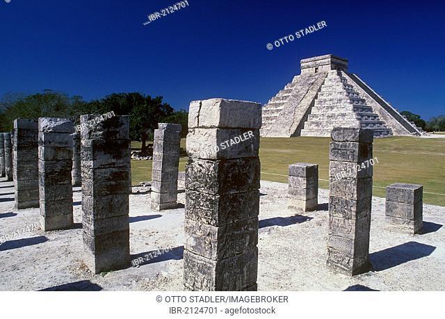 Pyramid of Kukulcan, Maya ruins of Chichen Itza, Yucatan, Mexico, North America