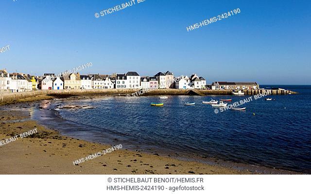 France, Finistere, Iroise Sea, Iles du Ponant, Parc Naturel Regional d'Armorique (Armorica Regional Natural Park), Ile de Sein