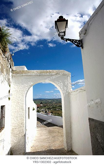 Narrow street in the white village of Arcos de la Frontera, Cadiz province, Andalusia, Spain, April 1, 2010