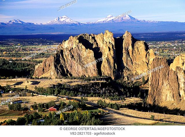 Smith Rocks from Burma Road, Smith Rock State Park, Oregon
