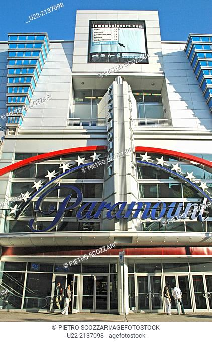 Toronto Canada: The former Paramount Cinema, today renamed Scotiabank Theatre Toronto, a Cineplex Cinema in the heart of downtown Toronto's Entertainment...