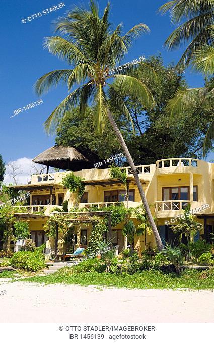 Hotel under palm trees, Phra Nang Lanta Resort, Kantiang Beach, Ko Lanta or Koh Lanta island, Krabi, Thailand, Asia