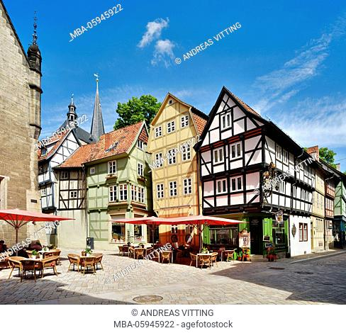 Germany, Saxony-Anhalt, Quedlinburg, crooked and winding half-timbered houses in the historical old town