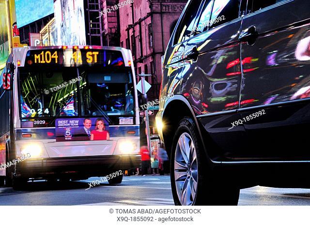 M104 MTA Bus, Public Transportation, 42nd Street, Broadway, Times Square, Manhattan, New York City, USA