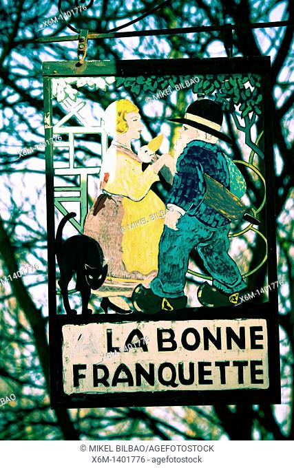 Restaurant sign  Montmartre  Paris, Francia