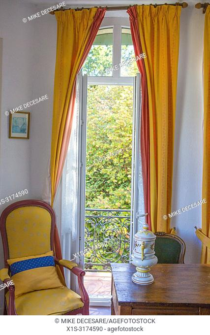 A small, delightful and historic hotel once home to Renoir greets vistors who come to Grasse, France and stay at the Hotel la Bellaudere