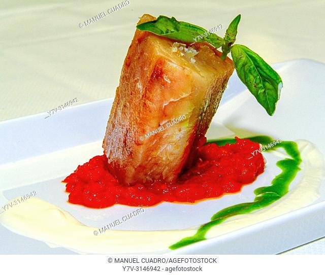Plato de Tronco de bacalao con grosellas y menta (cod with currant and mint). Restaurante La Pérgola. Bilbao, Biscay, Basque Country, Spain