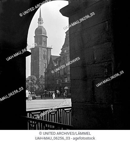 Blick auf die Reinoldikirche in Dortmund, Deutschland 1930er Jahre. View to St. Reinold's church at Dortmund, Germany 1930s
