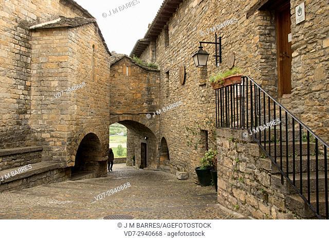 Ainsa, street. Sobrarbe, Huesca province, Aragon, Spain