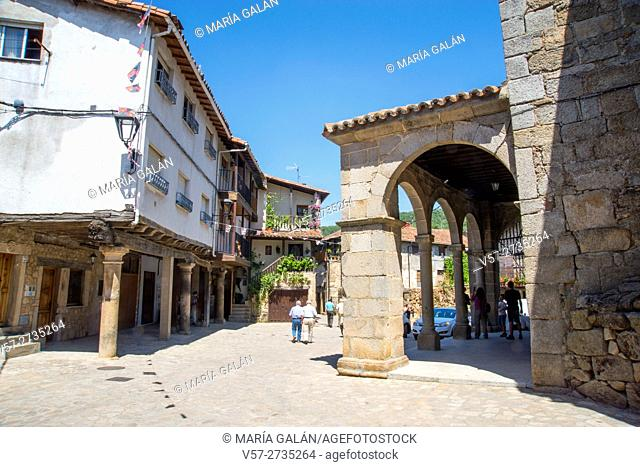 Street and church. San Martin del Castañar, Sierra de Francia Nature Reserve, Salamanca province, Castilla Leon, Spain