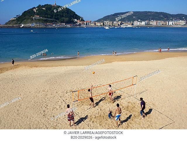 Ondarreta beach. La Concha bay. Donostia. San Sebastian, Gipuzkoa. Basque Country. Spain