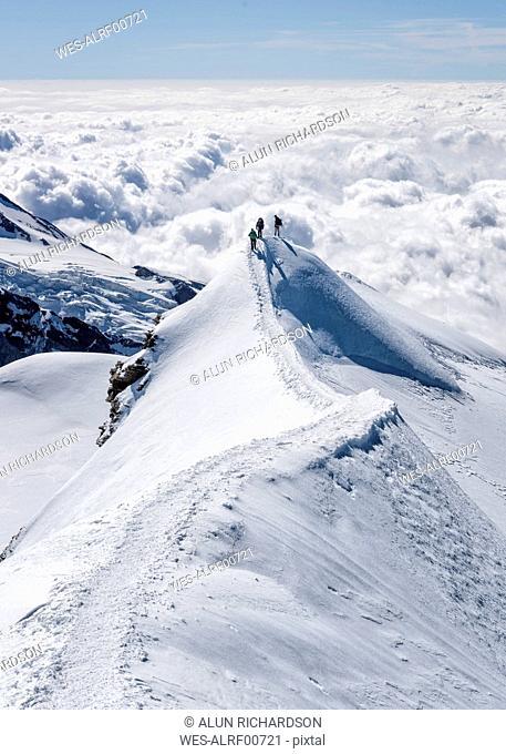 Italy, Gressoney, Alps, Castor, group of mountaineers