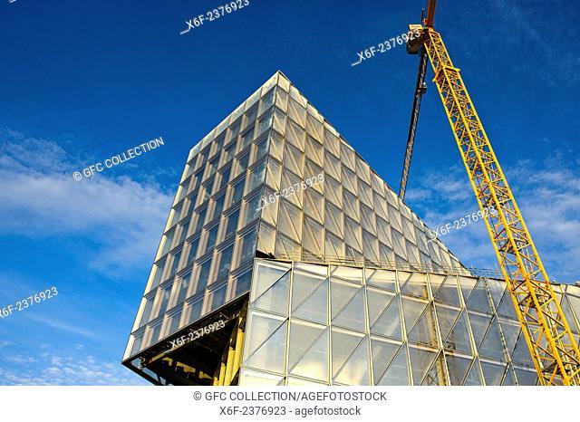 The JIT Building, headquarters of Japan International Tobacco, JIT, by SOM Architects under construction, Geneva, Switzerland