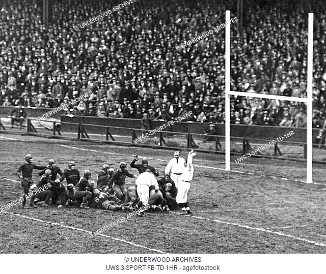 New York, New York: November 10, 1928. Jack Chevigny of Notre Dame scores a touchdown in the third quarter to tie the game against Army at Yankee Stadium