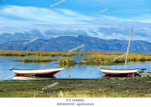 fishing boats, Bolivia, Altiplano, Lake Titicaca