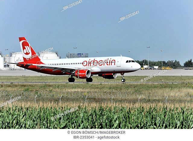 Airberlin D-ABFP Airbus A320-214 landing at Stuttgart Airport, Stuttgart, Baden-Wuerttemberg, Germany, Europe