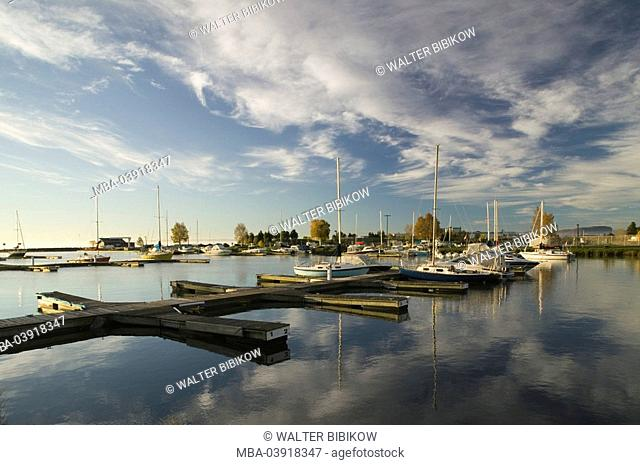 Canada, Ontario, of 'Thunder Bay', over lake,boat-landing place