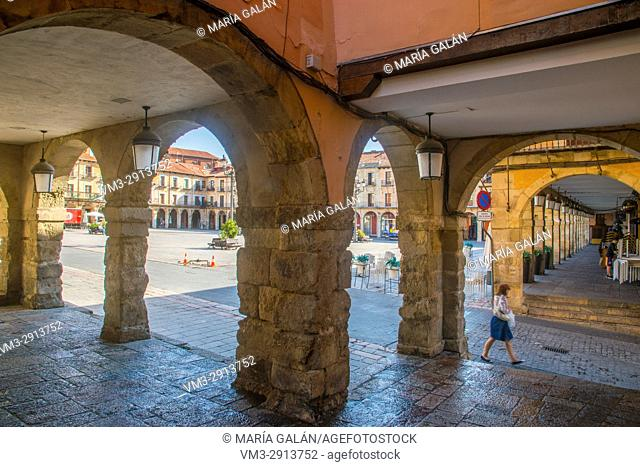 Arcade of Plaza Mayor. Leon, Spain