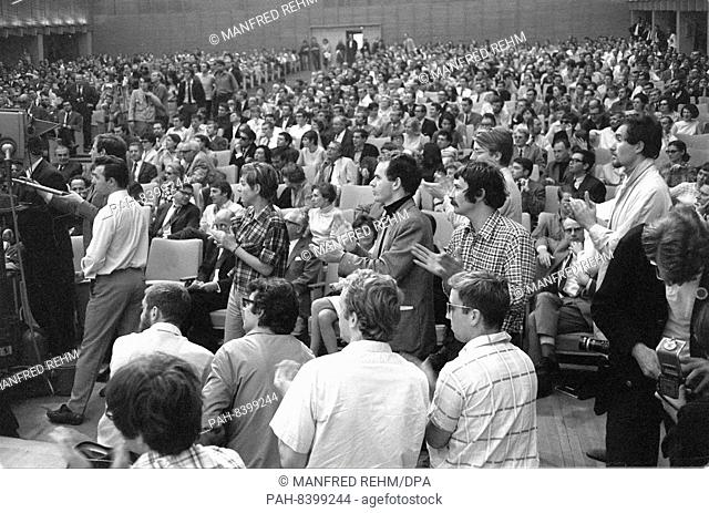 Participants on 28 May 1968 at an event against the German Emergency Acts in the Great Broadcasting Hall of Hessischer Rundfunk in Frankfurt am Main