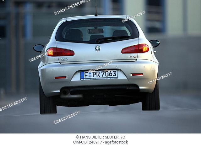 Alfa Romeo 147 1.9 JTD 16 V Distinctive, model year 2004-, silver, standing, upholding, rear view, City