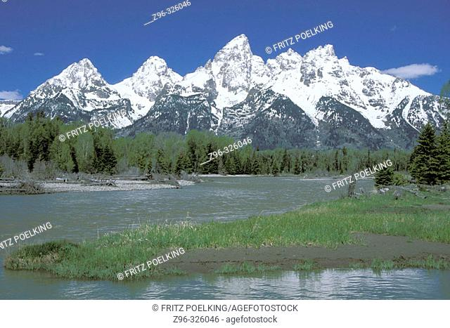 Snake River and Teton Range. Grand Teton National Park. Wyoming, USA