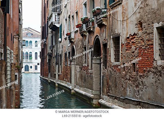 Narrow canal, Canal Grande in background, Sestiere San Marco, Venice, Veneto, Italy