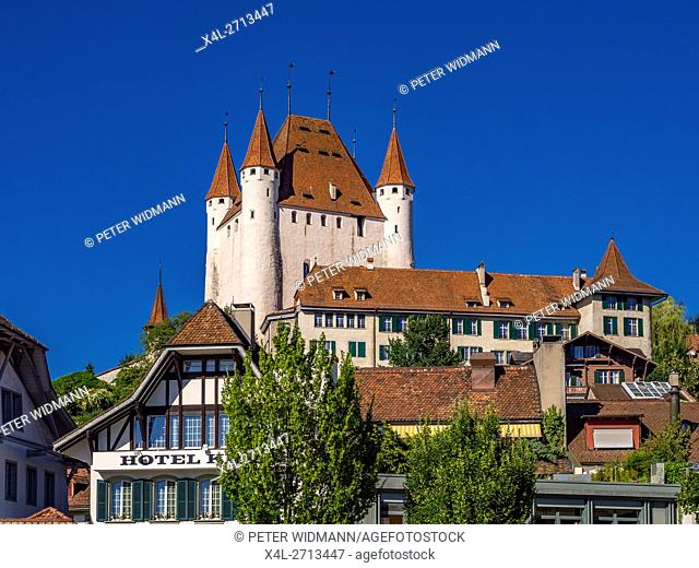 Old Town of Thun, overlooking Castle Thun, Bernese Oberland, Canton of Bern, Switzerland, Europe